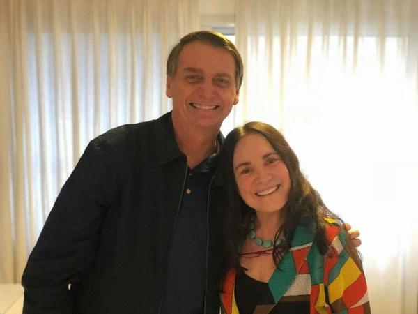 Bolsonaro avalia recriar pasta da Cultura para abrigar Regina Duarte