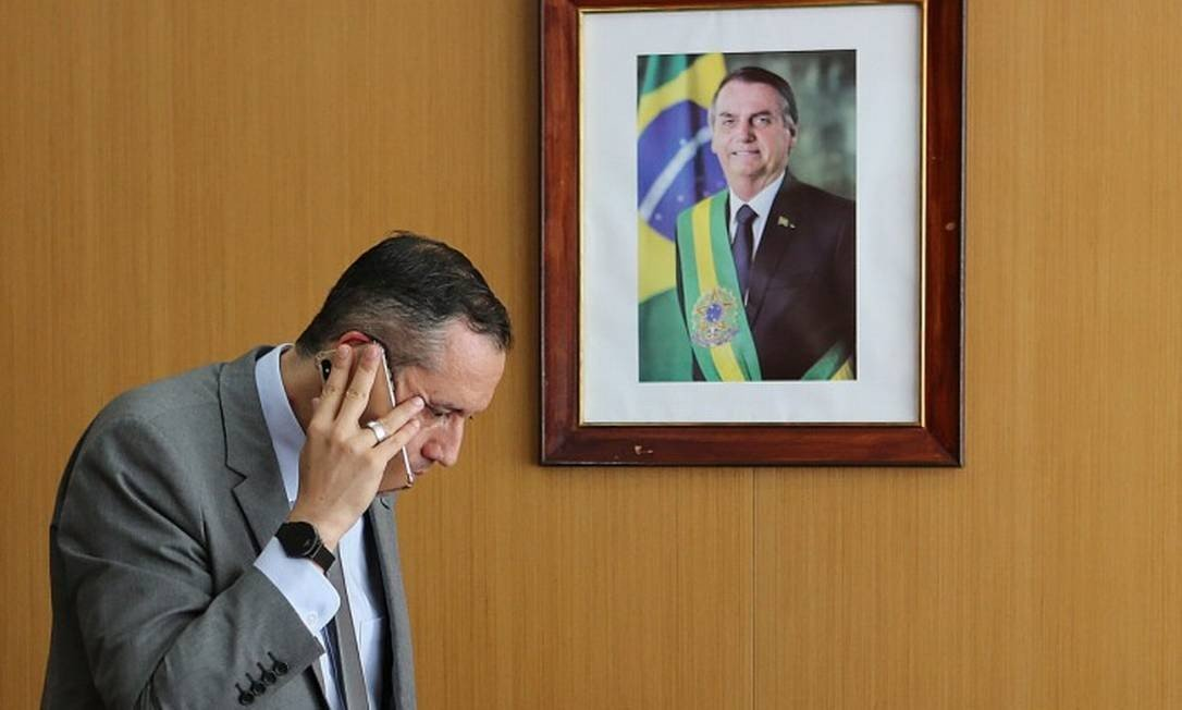 Roberto Alvim após demissão por discurso de nazista: 'Perdão pelo meu erro involuntário'