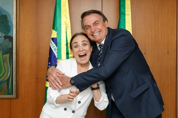 Sugestão a Regina Duarte - Escolhas culturais pertencem às pessoas, não ao governo