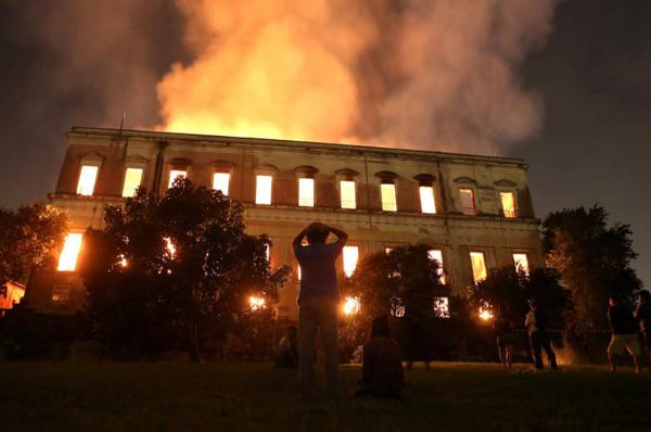 Tragédia no Museu Nacional é reflexo da constante diminuição de recursos na cultura