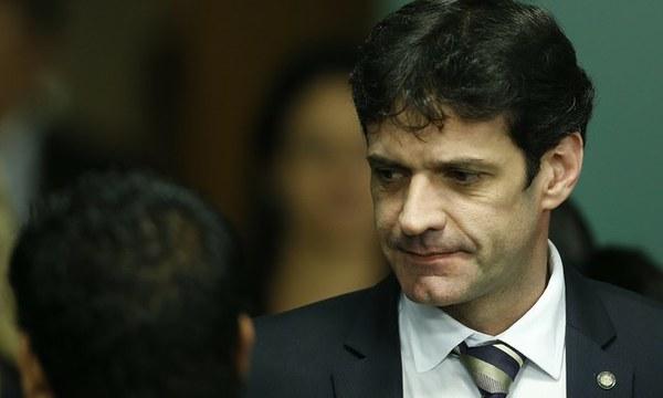 Bolsonaro deve demitir ministro do Turismo ainda hoje