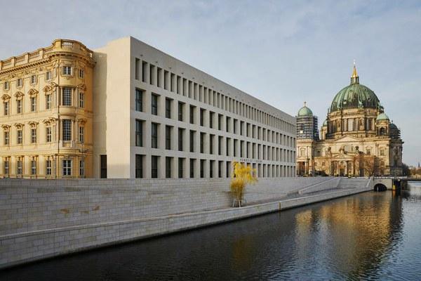 Berlim gasta R$ 4,5 bi para reconstruir museu que apaga sua história