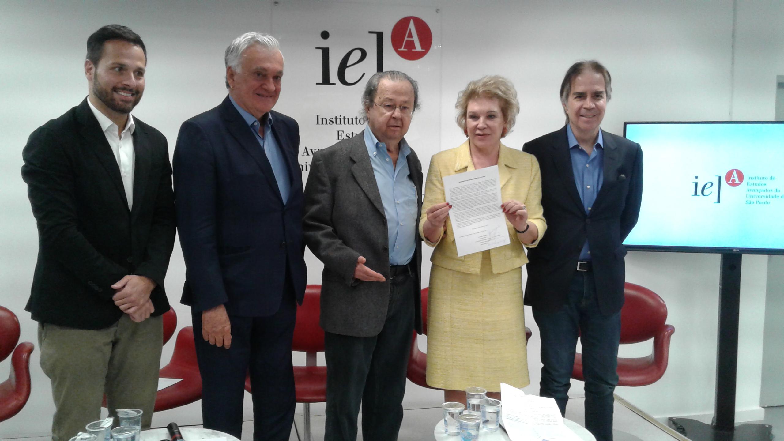 Lançamento do Manifesto dos Ex-Ministros da Cultura após a Coletiva de Imprensa